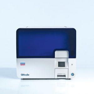 Автоматическая станция для выделения нуклеиновых кислот QIAcube, QIAGEN